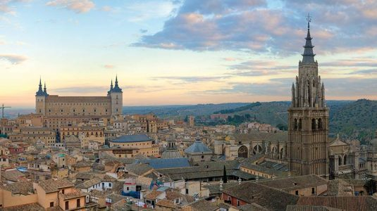Toledo_Skyline_Panorama,_Spain_WIKIPEDIA